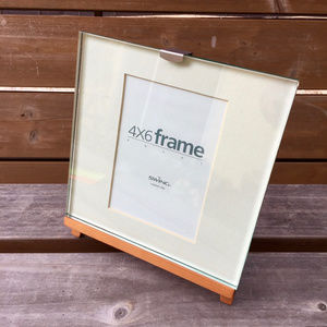 VINTAGE . EASEL FRAME BY SWING . 4 X 6 WITH MAT